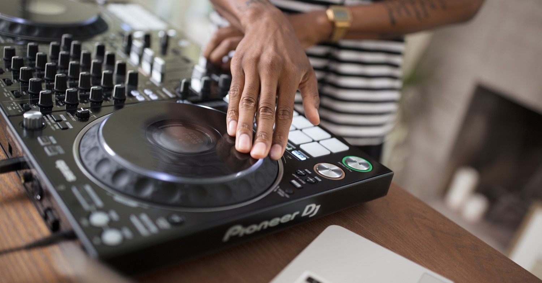 Pioneer DJ Releases the DDJ-1000SRT - The Hub