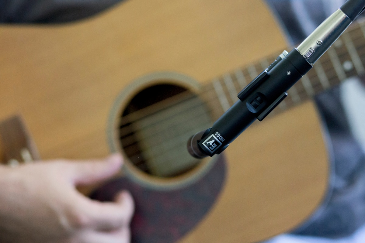 how to mic and mix your acoustic guitar for stellar sound the hub. Black Bedroom Furniture Sets. Home Design Ideas