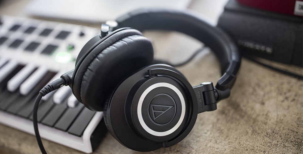 Best 5 Reference Headphones for the Studio in 2021