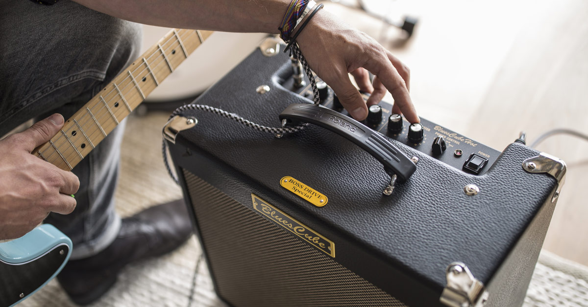 What's the Difference Between Tube and Solid-State Guitar Amps?